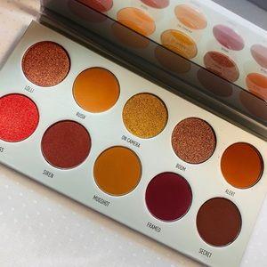 Morphe- Jaclyn Hill eyeshadow palette/ New